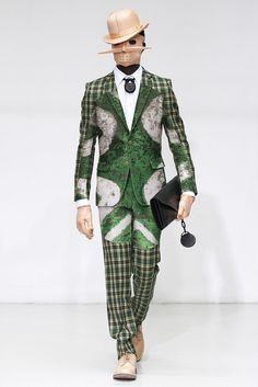 See all the Collection photos from Walter Van Beirendonck Autumn/Winter 2012 Menswear now on British Vogue Look Fashion, Fashion News, Fashion Art, High Fashion, Mens Fashion, Fashion Design, Fashion Trends, Fashion Menswear, Fashion Week Paris