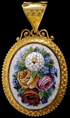 Micro Mosaique - Pendentif Ouvrant 'Bouquet' - Or