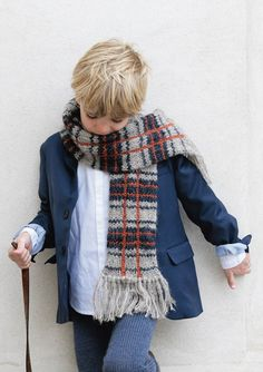 sandnes garn Little Boy Fashion, Little Boys, Baby Knitting, Plaid Scarf, Tweed, Knit Crochet, Shorts, Knit Scarves, Baby Knits