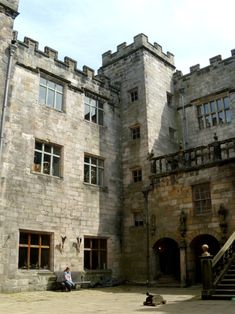 Chillingham Castle courtyard
