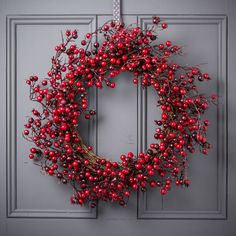 b9f61b8ae37c cranberry christmas wreath by the christmas home