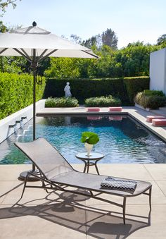 Outdoor Furniture - Biarritz Chaise, Occasional Table