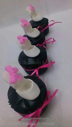 Cupcakes con tacones  Makenachocolates@hotmail.com  Tel 4563355 Whatsapp 3017323283
