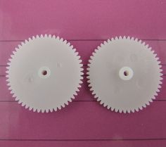 10 pcs/lot 562A Plastic Single Layer Motor Shaft Gear DIY Toys Robot Parts Free Shipping Russia