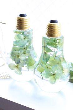 花が舞う初夏の紫陽花*電球フラワリウム™