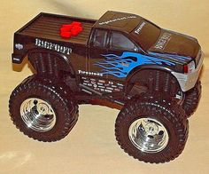 BIGFOOT MONSTER TRUCK ROAD RIPPERS SOUND LIGHTS FORWARD REVERSE PLASTIC 4X4. #RoadRippers
