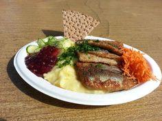 The herring wagon | Snacks | Main meal SEK 65 Södermalmstorg Mon – Fri 10:00 – 19:00, Sat – Sun 12:00 – 17:00