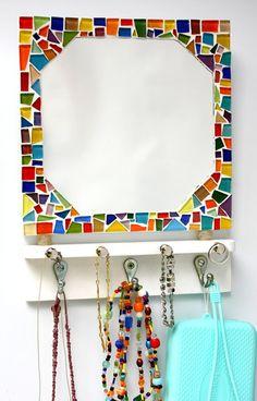 Cabideiro com espelho em mosaico cores
