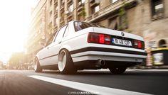 1989 BMW E30 Alpine Weiss - StanceWorks