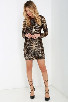 Truth or Dare Black and Gold Long Sleeve Sequin Dress Gold Prom Dresses, Sexy Dresses, Beautiful Dresses, Casual Dresses, Formal Dresses, Cute Edgy Outfits, Pretty Outfits, Sequin Outfit, Sequin Dress