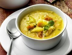 Varomeando: Sopas y caldos Cheeseburger Chowder, Thai Red Curry, Ale, Food And Drink, Soup, Ethnic Recipes, Recetas Light, Robot, Recipes With Vegetables