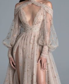 : chandelyer: Paolo Sebastian spring 2020 couture in 2020 Elegant Dresses, Pretty Dresses, Vintage Dresses, Tulle Gown, Fantasy Dress, Best Wedding Dresses, Mode Inspiration, Fashion Inspiration, Beautiful Gowns