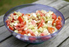 Ohne viele Worte, ein kleines Rezept für Zwischendurch. Soll ja am Sonntag wieder 20° C werden, da könnte man eine Salatbeilage zum Grillen...