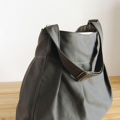 Would love to win this and use as my diaper bag for my first baby due in february - The Market Bag in Gunmetal Gray #moopshop and @moopshop