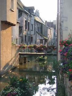 Montargis, France - the French version of Venice...beautiful! http://www.bargetravelpoints.com/regions/france/loire/