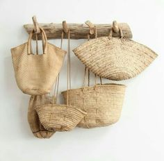 I want these woven bags! I want these woven bags! Use E Abuse, Basket Bag, Estilo Boho, Home And Deco, Rattan, Straw Bag, Burlap, Reusable Tote Bags, Woven Bags