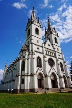 Luckily, outside the concrete jungle, you'll find the Carpathian mountains, the Danube Delta, or the regions of Transylvania and Maramureș. That's Romania! Danube Delta, Carpathian Mountains, Concrete Jungle, Romania, Notre Dame, Cathedral, Backpack, Building, Travel