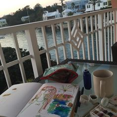 Painting in Bermuda today. We eat read nap repeat. #unwinding by lillarogers