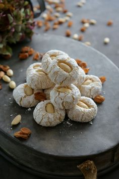 "This simply prepared Italian almond pastry ""Paste di Mandorla"" is nice and soft on the inside and has a fine, crispy shell! This simply prepared Italian almond pastry ""Paste di Mandorla"" is nice and soft on the inside and has a fine, crispy shell! Italian Almond Biscuits, Italian Almond Cookies, Almond Pastry, Italian Cookie Recipes, Italian Desserts, Pastry Recipes, Cake Recipes, Dessert Recipes, Italian Foods"