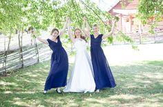 Vänskap kärlek och glädje! Behövs inte så mycket mer! #malexander #bröllop2018 #bröllop2017 #sommar #bröllopsfotograf #bröllopsinspiration #bröllopsklänning #brudtärnor #igscandinavia #igsweden #sweden_images #sweden_photolovers #hejöstergötland #fotograf #canon5dmkiv #love #kärlek #weddingday #weddinginspo #weddingdress #weddingphotography #weddings #wedding