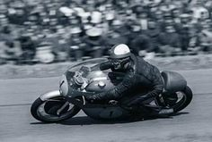 "Mike ""the Bike"" Hailwood Motorcycle Racers, Racing Motorcycles, Vintage Motorcycles, Scooters, Triumph Cafe Racer, Cafe Racers, Bobber Custom, Moto Cafe, Moto Guzzi"