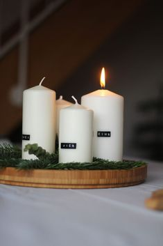 Hottest Cost-Free Advent Wreath scandinavian Style A lot of churches coordinator a Advent-wreath-making event for the Wednesday of the season. Advent Candles, Christmas Candles, Pillar Candles, Christmas Time, Xmas, Advent Wreath, Aromatherapy Candles, Christmas Table Decorations, Scandinavian Christmas