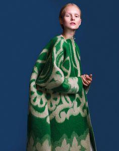 A Blanket is a Coat is Marit Ilison   Design Catwalk   Julika From Budapest - Juliana