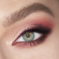 Mesmerising Maroon Luxury Palette - Eyeshadow For Green Eyes - Luxury Palette Mesmerising Maroon Eyeshadow Model The Effective Pictures We Offer You About Nail sp - Hazel Eye Makeup, Pink Eye Makeup, Dramatic Eye Makeup, Eye Makeup Steps, Simple Eye Makeup, Natural Eye Makeup, Eyeshadow Makeup, Maroon Makeup, Makeup Eyes