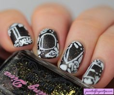 The Digital Dozen's Throwback Week: Love Nails - Painted Fingertips