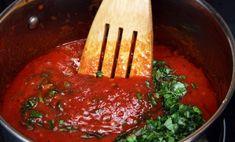 Томатный соус с базиликом к пасте-самый популярный в Италии Meatloaf, Ketchup, Thai Red Curry, Tapas, Lasagna, Pork, Food And Drink, Pizza, Cooking