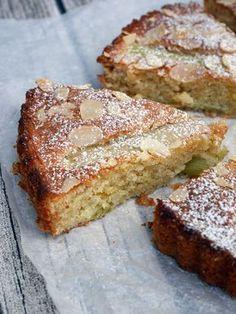 almond and rhubarb cake Gluten Free Desserts, No Bake Desserts, Cake Recipes, Dessert Recipes, Rhubarb Cake, Zeina, Swedish Recipes, Food Cakes, Love Food