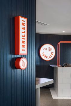 Sign of the times: Branding fast-food venues Restaurant Design, Deco Restaurant, Restaurant Branding, Fast Food Restaurant, Food Design, Cafe Design, Store Design, Design Design, Retail Signage