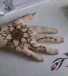 Henna Sunflower