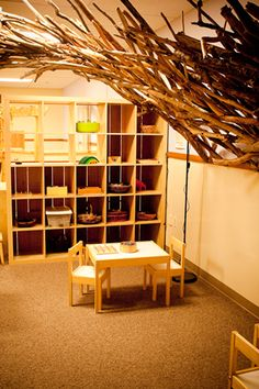 table and chair area idea, image via child roots http://www.childroots.com/NW_Frameset.html