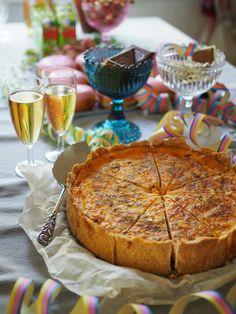 Piparkakkutalon akka, ruoka- ja leivontablogi: Juhlan kunniaksi kinkkupiirakka