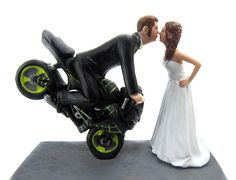 Dirt Bike Kissing Couple Topper - we sculpt the faces to look like the bride and groom and custom paint the bike to match your photos. Dirt Bike Wedding, Gun Wedding, Motorcycle Wedding, Wedding Humor, Car Themed Wedding, Wedding Vows, Wedding Dress, Funny Grooms Cake, Funny Wedding Cakes