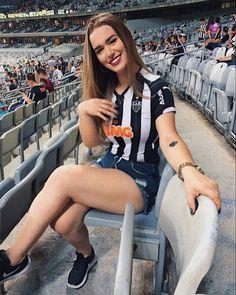 Psg, Estilo Cool, Madrid, Brazilian Girls, Football Wallpaper, New Girl, Camilla, Ronaldo, Sexy Legs