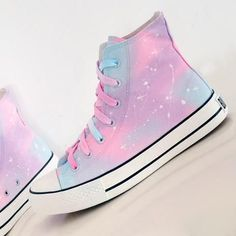 Kawaii Harajuku Pastel Galaxy Canvas High Tops Sneaker - Women's style: Patterns of sustainability Converse Haute, Mode Converse, Sneakers Mode, Sneakers Fashion, Fashion Shoes, Skull Fashion, Punk Fashion, Lolita Fashion, Pastel Converse