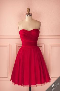 J'ai choisie cette robe car premièrement j'adore le rouge et parce que les robes sont mes vêtements préféré, c'est pour cette raison que  je la met dans mon projet.