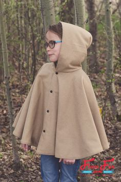 DIY: fall cape for girls