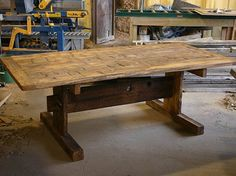 Trestle table - another great design (hmmm - project to try and make one...)