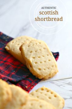 authentic Scottish shortbread cookies taste just like the ones we ate in S. - Caledonia -These authentic Scottish shortbread cookies taste just like the ones we ate in S. Fudge, Tea Cakes, Shortbread Recipes, Cookie Recipes, Uk Recipes, Delicious Recipes, Biscotti, Christophe Felder, Scottish Recipes