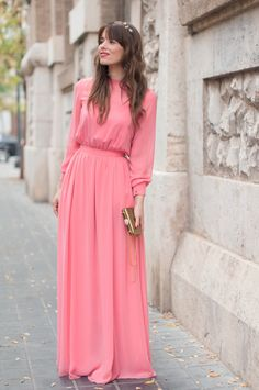 Love this pic? Find more adorable #modestfashion inspo at DowntownDemure.com!
