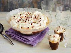 Amerikkalaisesta kahvi-jäätelöboolista pitävät myös ne, jotka eivät yleensä kahvia juo. Boolin voi halutessa terästää esimerkiksi irish cream - tai...
