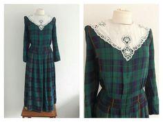 Vintage 70s Green Plaid Tea Dress - Tartan Autumn Winter Dress - White Crochet Bib
