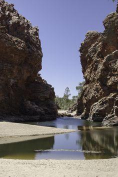 Ellery Creek - un waterhole dans le Parc National de West MacDonnell non loin d'Alice Springs #Australie