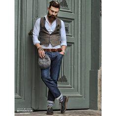 """""""Mr.cool / Street Style /@bulutozdemiroglu  #beyhanolukphotographer  @beyhanolukk @erhanolukcreativeartdirector"""""""