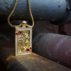 Get your Suicide King Necklaces exclusively at www.kingice.com