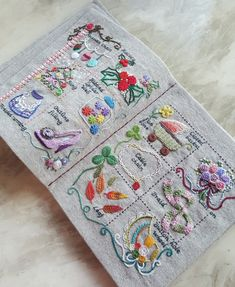 45 ideas embroidery beginner art for 2019 Embroidery Sampler, Hand Embroidery Stitches, Hand Embroidery Designs, Embroidery Files, Embroidery Applique, Cross Stitch Embroidery, Embroidery Patterns, Textiles, Hand Embroidery Flowers