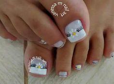 Unha delicada de Vanessa M. Sensitive nail by Vanessa M. Uña sensible por Vanessa M. Unghie sensibili di Vanessa M.